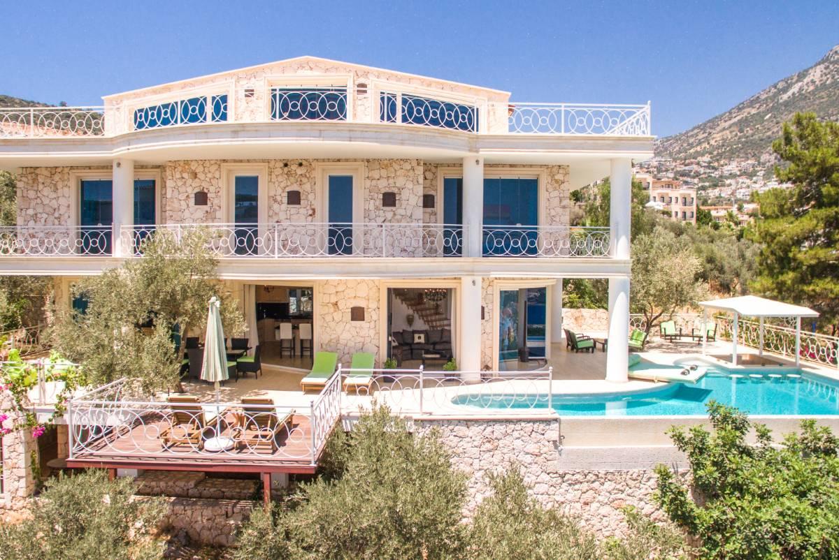 Villa Ayser